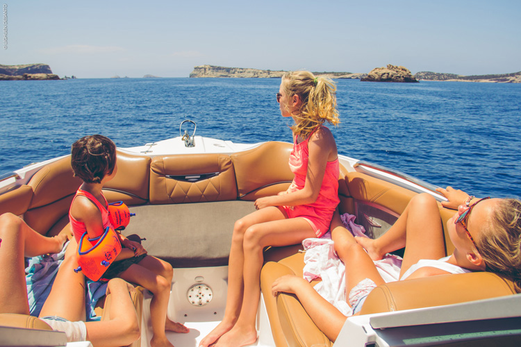 t ibiza children boat